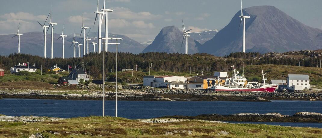 Windpark an der Küste Norwegens: Zwei Drittel der institutionellen Investoren legen laut einer Blackrock-Studie bereits Wert auf Nachhaltigkeit.|© imago images / robertharding