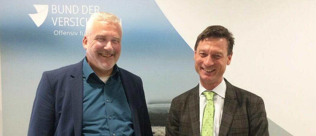 Axel Kleinlein und Carsten Zielke (r.): Der BdV-Vorstandssprecher und der Geschäftsführer der Zielke Research Consult GmbH sehen ein Auseinanderdriften der LV-Branche.|© DAS INVESTMENT