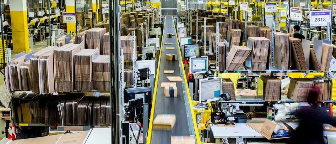 Logistikzentrum eines Online-Händlers: Mehrere US-Bundesstaaten verhängen bereits erneut einen Lockdown – die Online-Branche dürfte trotzdem wachsen.