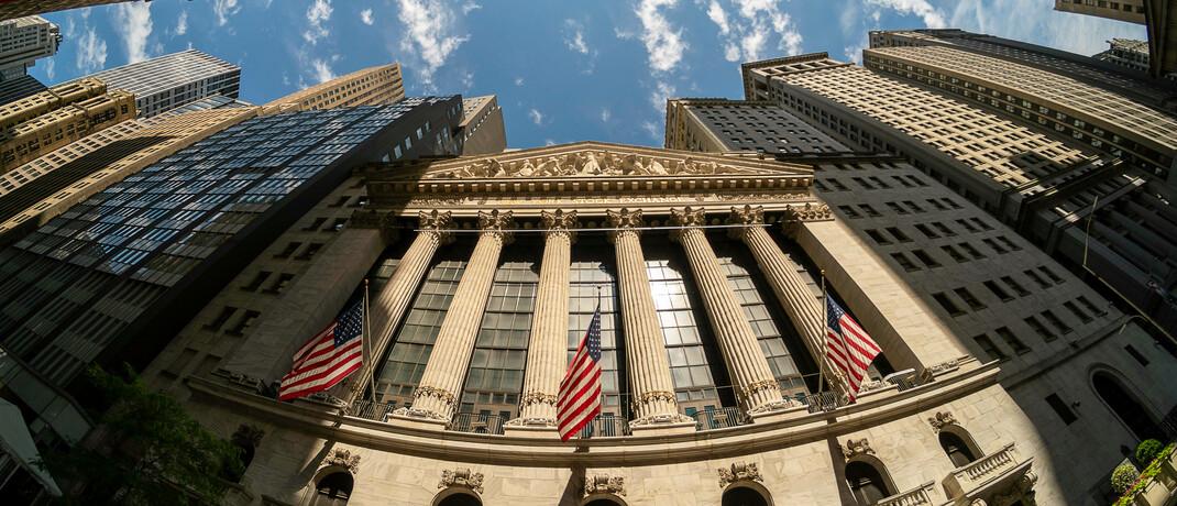 Wall Street in New York: Für viele Anleger waren angesichts der im Frühjahr gesehenen Volatilität an den Anleihemärkten Renten-ETFs die erste Wahl.|© imago images / Levine-Roberts