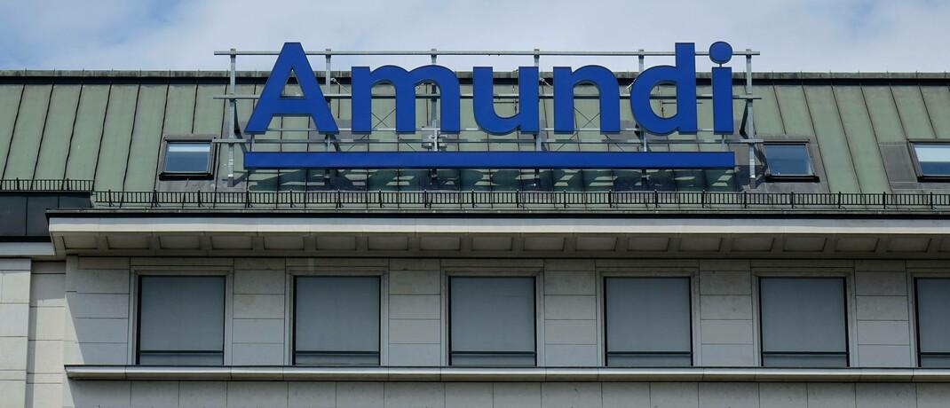 Amundi-Schriftzug in Wien: Die Leiterin Partnervertrieb soll Amundi Deutschland den Rücken kehren. © imago images / Steinach