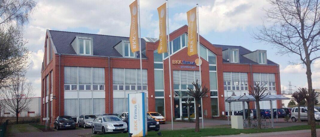 """Service-Zentrum der BBK Firmus in Bremen: Die Krankenkasse warb mit einem Zusatzbeitrag von 0,22 Prozent mit dem Zusatz """"für Arbeitnehmer/-innen"""". Seit vorigem Jahr wird der Zusatzbeitrag zur Hälfte vom Arbeitgeber mitgetragen."""