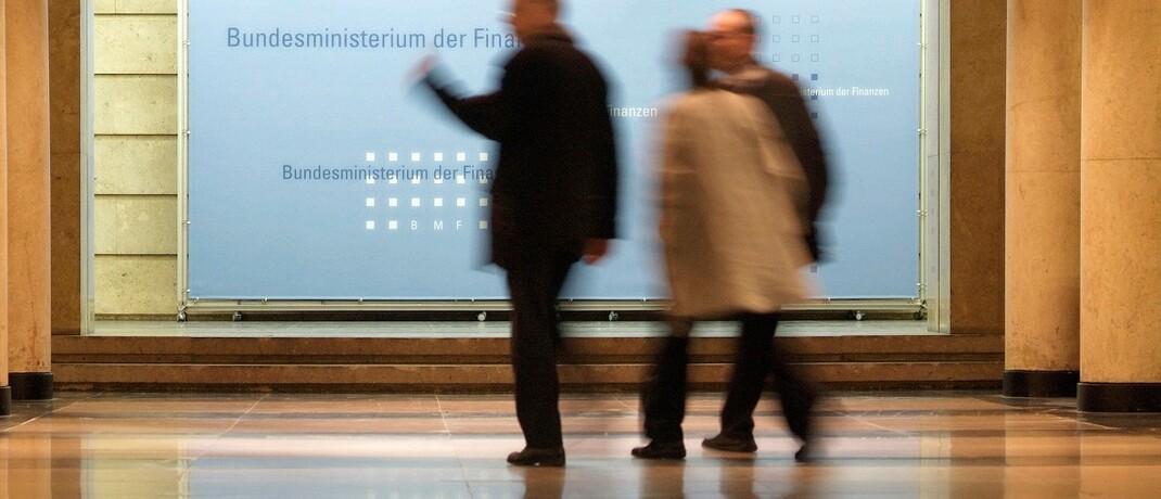 Hauptsitz des Bundesministeriums der Finanzen: Die Berliner Beamten sehen keinen Grund für ein Sonderkündigungsrecht der Versicherten beim Run-off ihres LV-Anbieters, berichtet versicherungsjournal.de.|© BMF/Hendel