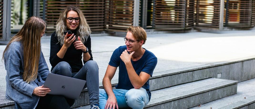 Digitaler Vertrieb: Vor allem junge Kunden sind bereit, Versicherungen online abzuschließen|© Pexels
