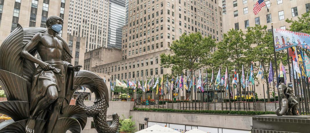 Platz vor dem Rockefeller-Center in New York: In der US-Metropole hat First Eagle seinen Hauptsitz.|© imago images / Pacific Press Agency