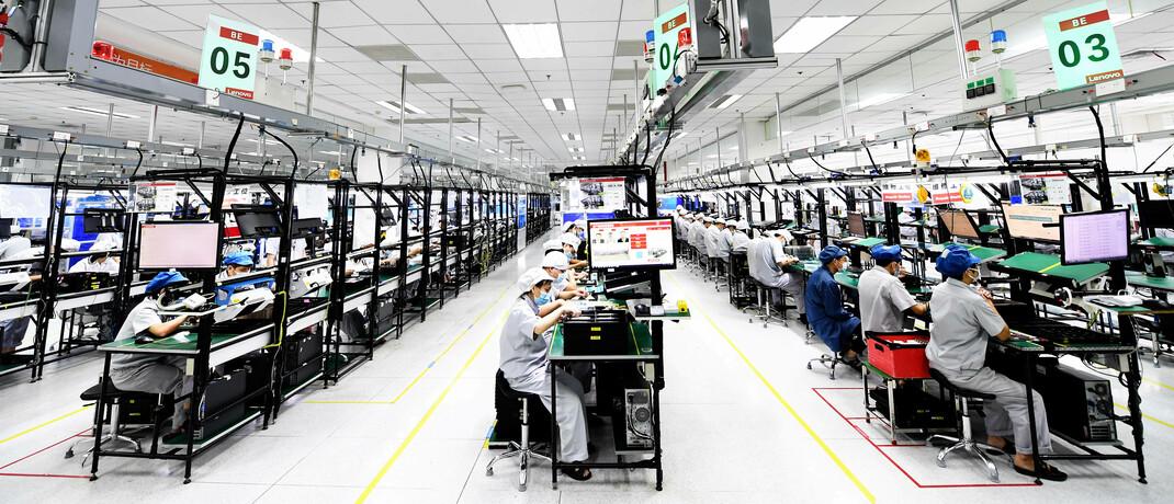 Smartphone-Produktion in China: In Asiens Indizes finden sich viele Firmen der New Economy – ein großer Unterschied zu anderen Schwellenländermärkten.|© imago images / VCG