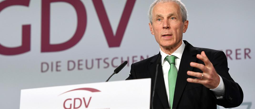Wolfgang Weiler ist für zwei weitere Jahre im Amt des Präsidenten des GDV bestätigt worden.