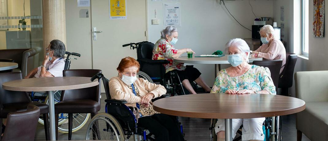 Senioren im Pflegeheim