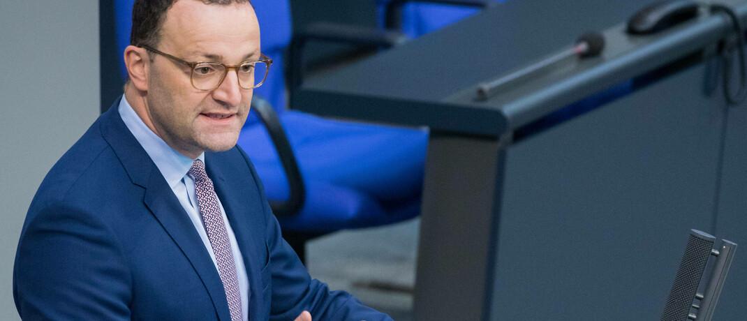 Gesundheitsminister Jens Spahn: Der CDU-Politiker will die reinen Pflegekosten für stationäre Pflege auf maximal 700 Euro monatlich begrenzen.