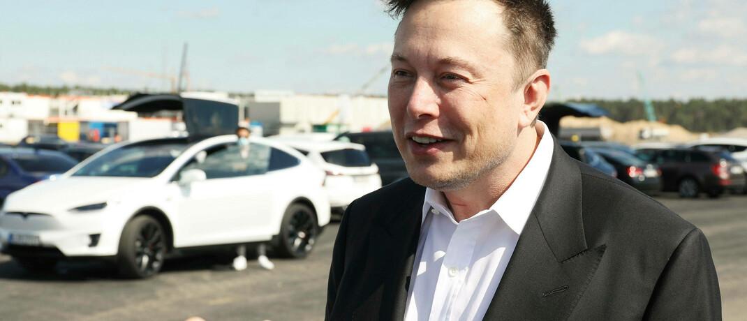 Elon Musk beim ersten Richtfest auf der Baustelle der Tesla Gigafactory Berlin-Brandenburg in Grünheide