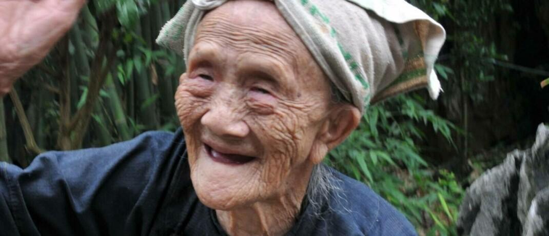 Die zum Zeitpunkt der Aufnahme im November 2011 126 Jahre alte Luo Meizhen galt bis zu ihrem Tod im Jahr 2013 als der älteste Mensch der Welt