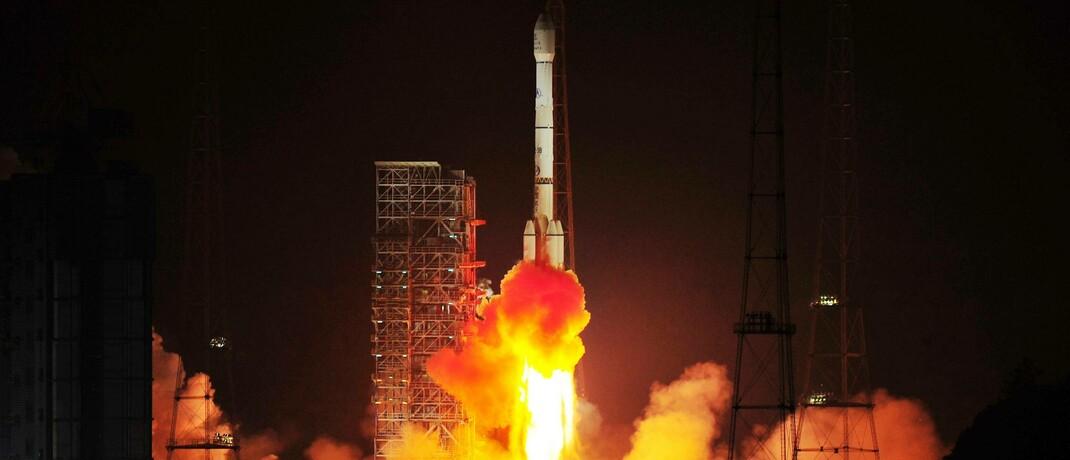 Eine Rakete des Typs Langer Marsch 3B beim Start im chinesischen Xichang