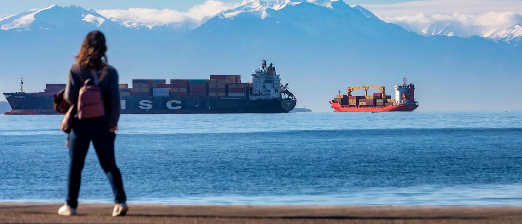 Containerschiff auf dem Weg von Asien nach Europa