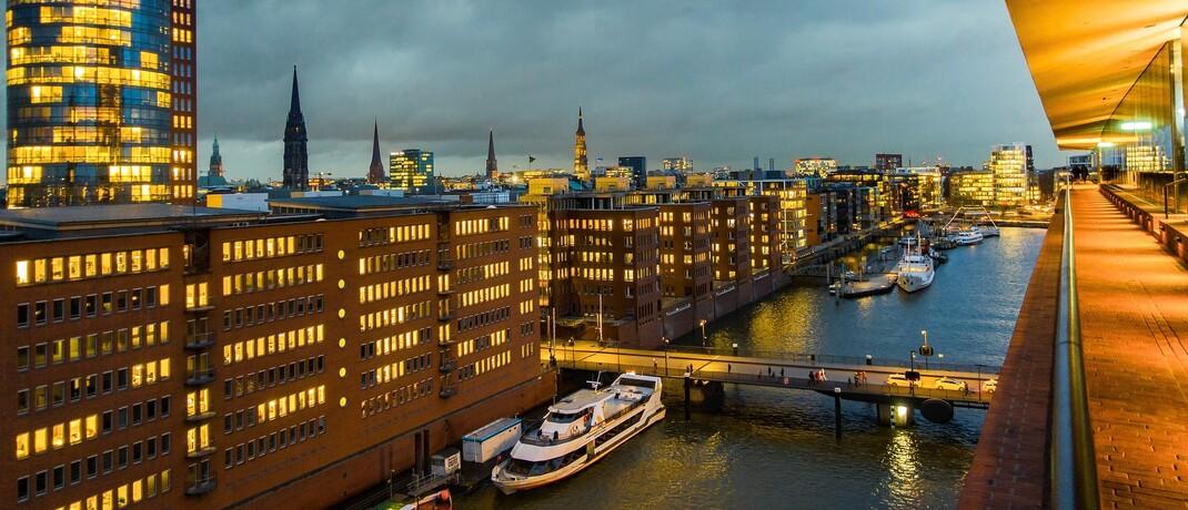 Blick auf Hamburg von der Aussichtsplattform der Elbphilharmonie