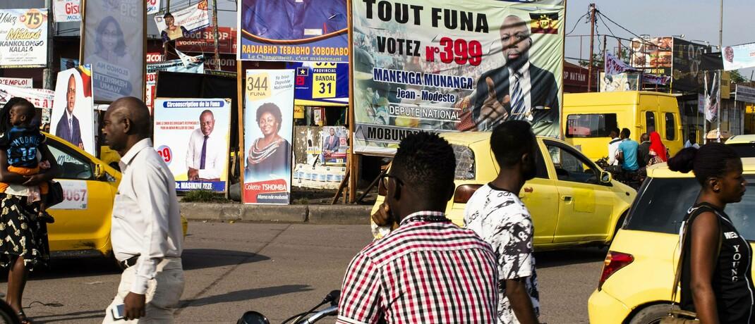 Straßenszene in Kinshasa, Hauptstadt des Kongo