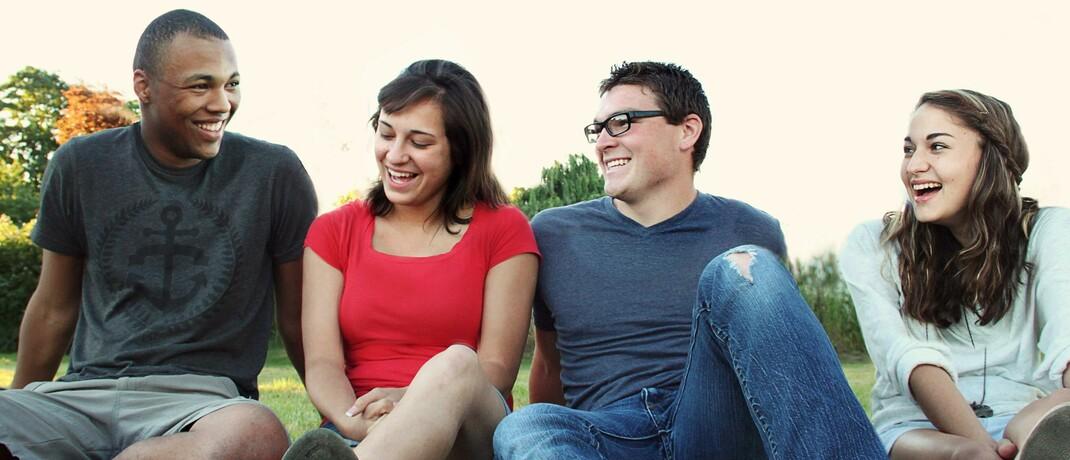 Junge Leute im Park