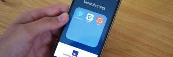 Der Kölner Versicherer Axa setzt verstärkt auf den Policen-Vertrieb über das Internet.