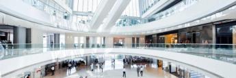 Futuristische Halle: Anleger können auch Renditevorteile erzielen, wenn sie sich jenseits der traditionellen Benchmarks umsehen.