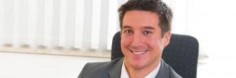 Policen-Polizist Philip Wenzel ist Versicherungsmakler und Biometrie-Experte
