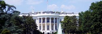 """Das """"White House"""" in der US-Hauptstadt Washington, Amts- und offizieller Regierungssitz des Präsidenten der Vereinigten Staaten"""