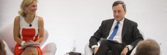 """EZB-Präsident Mario Draghi (r.) bei einem vorherigen """"ECB Forum"""" in Sintra."""