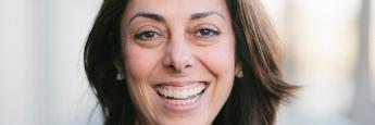 Yasmin Zarabi, Spezialistin für Recht und Compliance bei Hearsay Systems