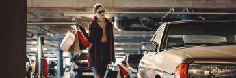 Frau beim Einkaufen: Auch die individuelle Geldanlage ist eine Frage des Stils.