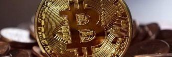 Ein Bitcoin: Die US-Investmentbank Goldman Sachs prüft den Einstieg in den Handel mit Digitalwährungen.