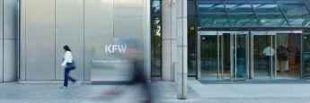 KfW-Zentrale in Frankfurt: Die Anstalt des öffentlichen Rechts ist die weltweit größte nationale Förderbank. KfW Research analysierte jetzt die Veränderungen der Filialdichte deutscher Kreditinstitute. Einbezogen wurden nur reguläre Bankfilialen, die mit Mitarbeitern ausgestattet und Vollzeit geöffnet sind. Angaben über die Deutsche Postbank sind dabei nicht eingeschlossen, da diese nicht zugänglich sind.