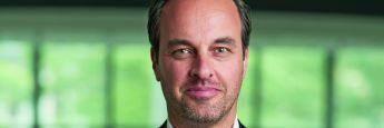 Stephan Cimbal ist seit 2015 Marketing-Chef des Reifenherstellers Falken Tyre Europe. Der 44-Jährige startete seine Berufslaufbahn bei der Bremer Brauerei Beck & Co. Erfahrungen in der Automobilbranche sammelte Cimbal unter anderem im Vertrieb bei Mercedes-Benz und als Leiter Marketing bei der Nürburgring GmbH.