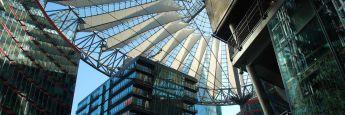 Das Sony Center am Potsdamer Platz in Berlin: Ein kanadischer Pensionsfonds kaufte den Komplex in diesem Jahr für 1,1 Milliarden Euro über einen Share Deal. Steuerertrag für Berlin: Null Euro.