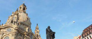 Die Frauenkirche in Dresden mit der Martin-Luther-Statue im Vordergrund: Die Hauptstadt Sachsens ist eine klassische B-Stadt.