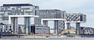 Kranhäuser in Köln: Laut MSCI haben deutsche Büroimmobilien 2016 ein Plus von 6,1 Prozent erzielt.