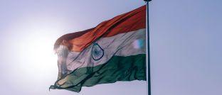 Indische Flagge: Der Aktienmarkt des Subkontinents erfreut sich regen Zuspruchs.