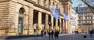 """Börse Frankfurt: Zum Schutz heimischer Privatanleger ist die reformierte EU-Finanzmarktrichtlinie """"Markets in Financial Instruments Directive"""" (Mifid II) durch das """"Zweite Gesetz zur Novellierung von Finanzmarktvorschriften auf Grund europäischer Rechtsakte"""" (2. FiMaNoG) in deutsches Recht umgesetz worden, das in weiten Teilen <a href='http://www.dasinvestment.com/meilenstein-fuer-berater-3-januar-2018-mifid-ii-wird-wirksam/' target='_blank'>am vorigen Mittwoch in Kraft getreten ist</a>."""