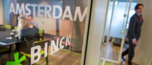Büro der Binck Bank: Das Amsterdamer Geldhaus hat seinen 60-prozentigen Anteil an Think ETF Asset Management verkauft. Neuer Haupteigentümer ist die US-Investmentgesellschaft Van Eck, zu deren europäischen Kernmärkten neben den Niederlanden auch Deutschland, Schweiz, Großbritannien und Italien zählen.