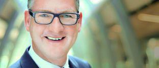 Jan Petersen (48) ist seit Oktober 2013 Geschäftsführer der Apleona GVA Fondsmanagement und verantwortet zusammen mit Barbara Linnemann die Asset-, Portfolio- und  Fondsmanagement-Services.
