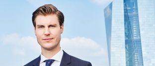 Der 32-jährige Investment-Stratege verantwortet bei Schroders in Frankfurt unter anderem Markt- und Kapitalmarktstrategien.