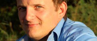 Sven Hennig ist Versicherungsmakler aus Bergen auf Rügen.