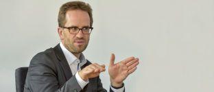 Klaus Müller ist Vorstand des Verbraucherzentrale Bundesverbands: Der Verband begrüßt die Entlastung der gesetzlich Krankenversicherten.