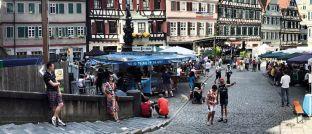 Marktplatz in Tübingen: Auf der Handelsplattform Zweitmarkt.de sind derzeit Anteile von rund 4.800 Beteiligungen gelistet.