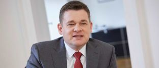 """Kai Fürderer: """"Die neue DIN-Norm ist ein Meilenstein hin zu einer verlässlichen Qualität in der Finanzberatung"""", sagt er."""