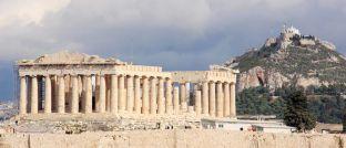 Akropolis über der griechischen Hauptstadt Athen: Auf die aktuelle Lage der Anleihen des südosteuropäischen Krisenstaats geht Ottmar Wolf von der Wallrich Wolf Vermögensmanagement gesondert ein.