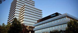 Debeka-Hauptverwaltung: Der Kapitalmarktexperte Carsten Hilck wechselt zur neuen Debeka Asset Management. Er  managte bis vor zwei Jahren den Deutschlandfonds Unifonds Net (ISIN: DE0009750208) bei Union Investment.