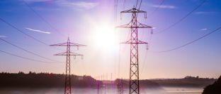 Erneuerbare Energien ersetzen immer mehr konventionelle Energierohstoffe wie Öl, Gas und Kohle: Ein neuer Fonds betont das E beim ESG-Investments (Environmental, Social and Governance) und setzt auf die Gewinner der so genannten Dekarbonisierung, also das Umstellen der Energiewirtschaft auf einen niedrigeren Ausstoß von Kohlenstoff.