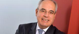 Rolf Tilmes ist Vorstandsvorsitzender des Interessenverbands für Finanzplaner Financial Planning Standards Board (FPSB) Deutschland.