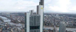 Chefetagen der Commerzbank in Frankfurt: Die nach Bilanzsumme im Geschäftsjahr 2016 viertgrößte Bank Deutschlands ist künftig nicht mehr im deutschen Leitindex Dax vertreten.