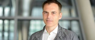 Der prominente Grünen-Politiker Gerhard Schick will sein Bundestagsmandat niederlegen und für eine Nichtregierungsorganisation tätig werden.