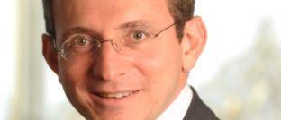 """Benjamin Melman, Leiter Asset Allocation und Sovereign Debt bei EdRAM: """"Im Kontext der geldpolitischen Straffung in den USA und dem Erstarken des US-Dollars, stehen die Schwellenländer mit den größten Ungleichgewichten an vorderster Front""""."""