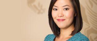 Lydia So: Die Fondsmanagerin wuchs in Hongkong auf und studierte in Kalifornien. <a href='https://global.matthewsasia.com/perspectives-on-asia/market-updates/matthews-asia-perspectives-view/article-1381/Asias-Small-Companies-Go-Big.fs' target='_blank'>In ihrem neuesten Marktkommentar</a> nennt sie die Hauptgründe für große Chancen bei kleinen Aktiengesellschaften.